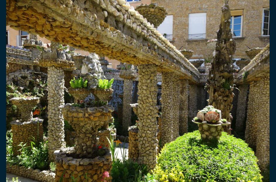 un-jardin-ou-vegetaux-mineraux-et-coquillages-ont-ete-savamment-orchestres-par-jules-senis-mir-photo-florence-fabre-1479278308
